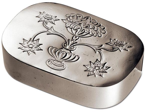 Lidded box cm 12 x 8 (Pewter) - collection: Regina. Cosi Tabellini.