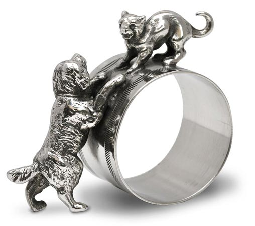 Table napkin ring - dog and cat cm 7x6,5 (Pewter / Britannia Metal) - collection: Gatto. Cosi Tabellini.
