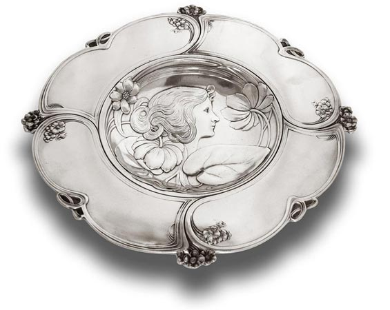 Decorative wall plate - woman portrait and water lily - 231 cm Ø 31 (Pewter / Britannia Metal) - collection: Donna. Cosi Tabellini.