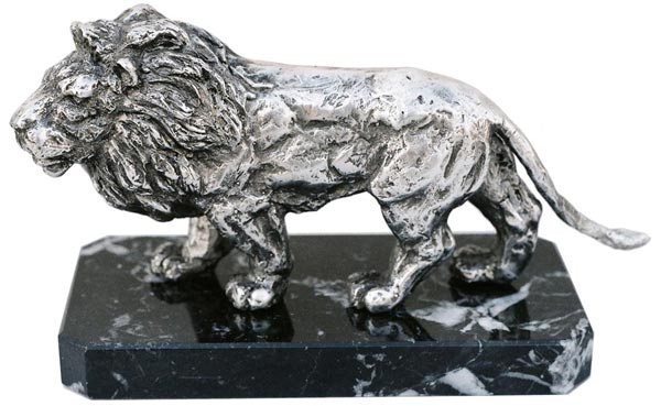 Statue - lion on marble base cm 14x7x11 (Pewter / Britannia Metal) - collection: Leone. Cosi Tabellini.