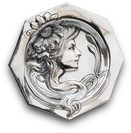 Decorative wall plate - woman portrait with daisy cm 16 (Pewter / Britannia Metal) - collection: Donna. Cosi Tabellini.