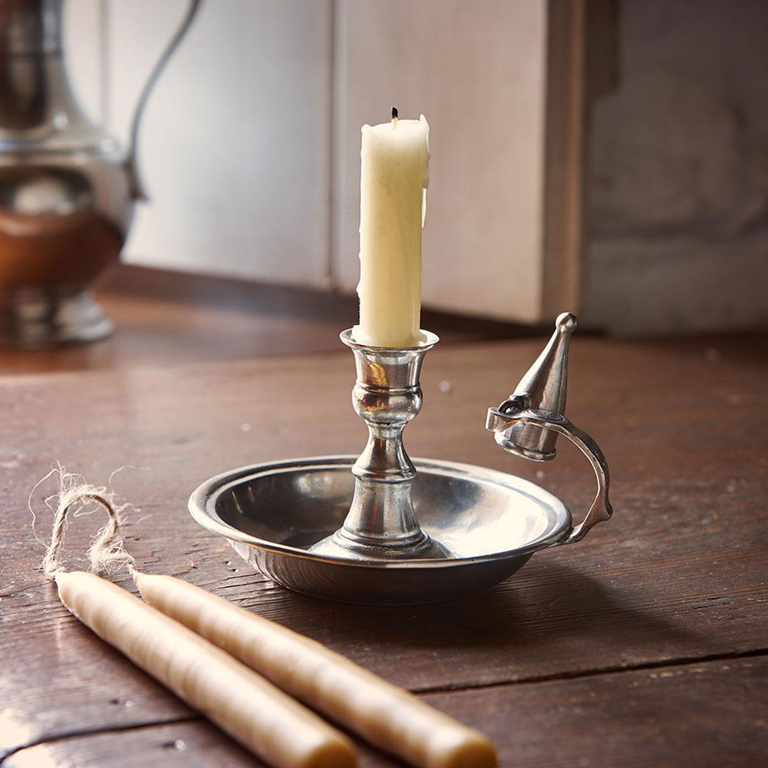 Bugia con spegnimoccolo grigio metallo peltro cm 15 for Bugia candela