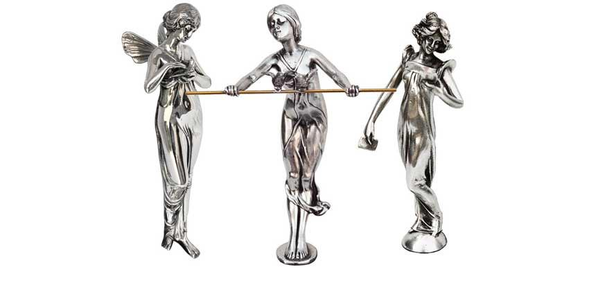female figurines made in Italy