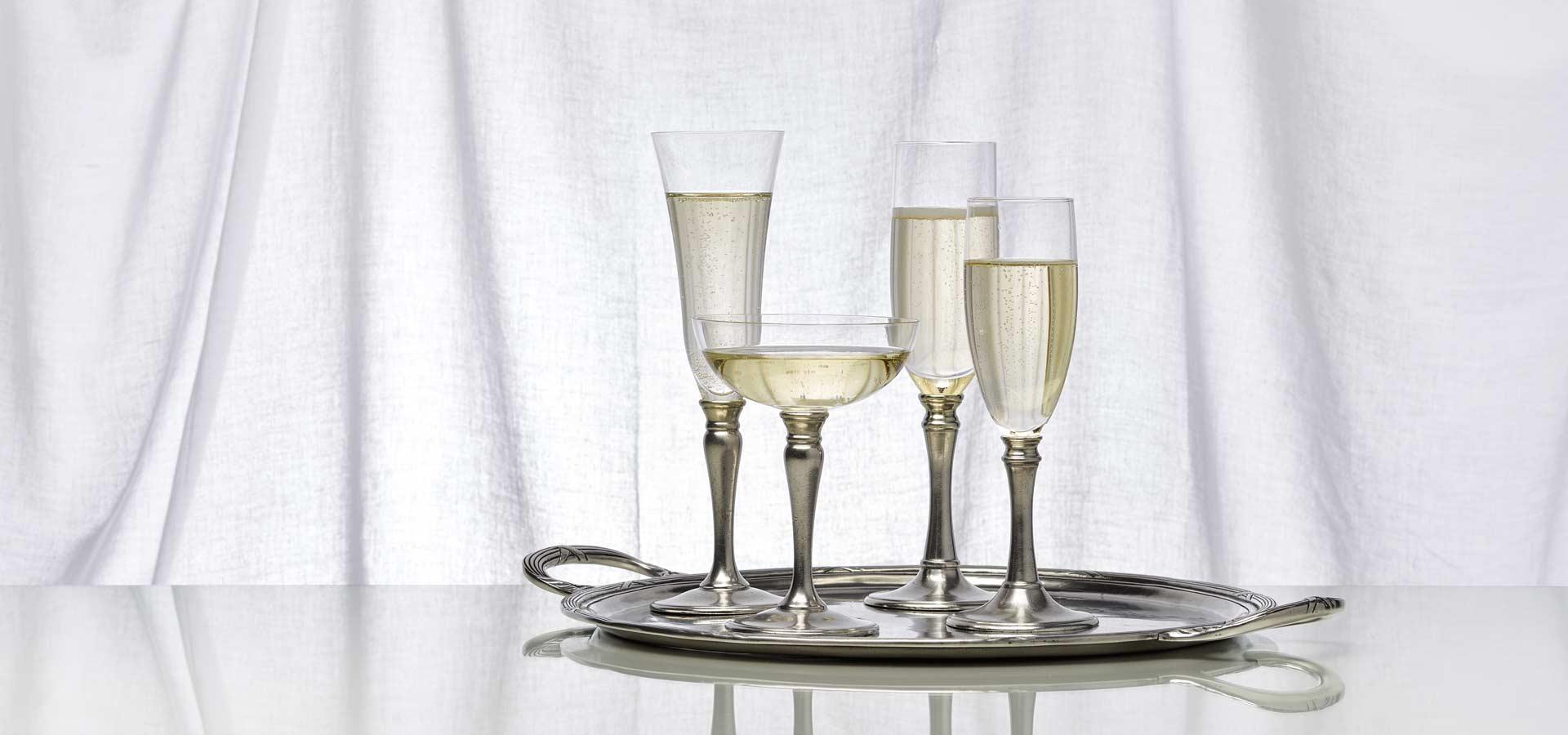 Бокалы, фужеры, стаканы и рюмки
